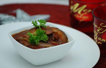 mushroom and roasted garlic crostini